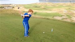 Wilson takes a swing at Chambers Bay