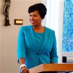 DC Mayor Speaks to SJC Alumni
